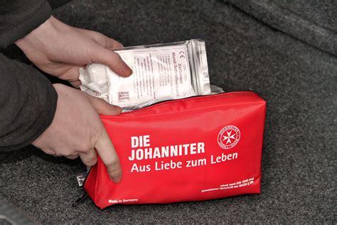 Auto Verbandskasten Inhalt 2015 by Erste Hilfe An Bord Was Geh 246 Rt In Den Verbandkasten