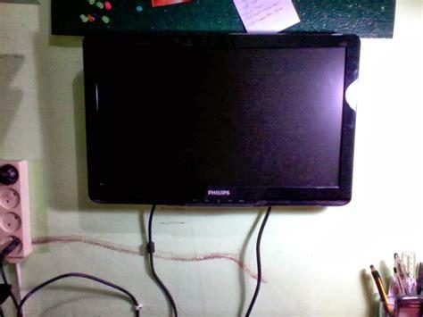 Monitor Komputer Lcd Murah cara memasang lcd komputer di dinding dengan biaya murah