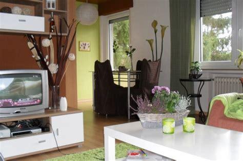 Rote Stühle Esszimmer by Wohnzimmer In Braun