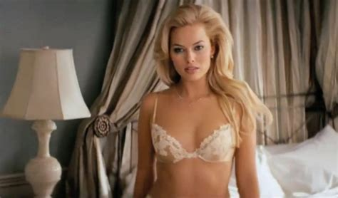 emma stone wolf of wall street margot robbie il sexy reggiseno di margot robbie in quot the
