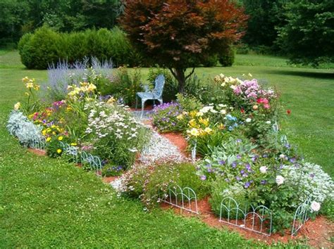 Backyard Flower Bed Ideas Two And A Farm Inspiration Thursday