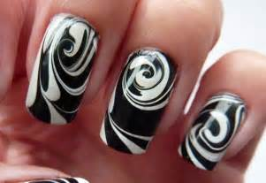 water marble for short nails black amp white swirl nail art