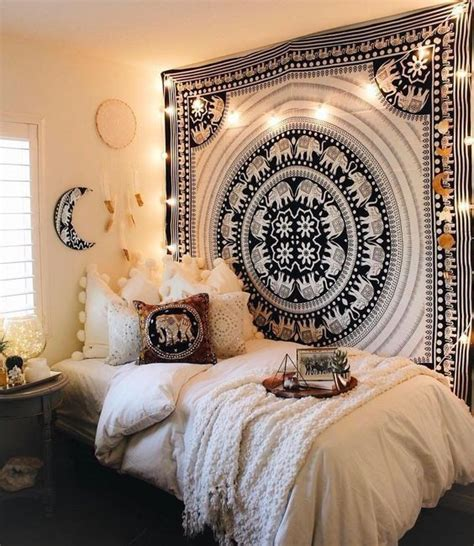 Apartment Bedroom Wall Decor 25 Best Ideas About Tapestry On Tapestry