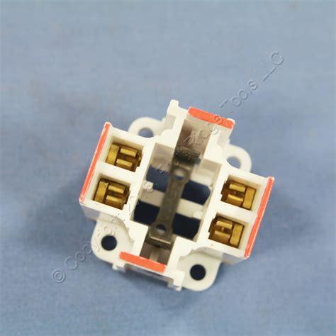 Cfl L Holder by Leviton Compact Fluorescent L Holder Cfl Light Socket 26w G24q 3 26725 403 Ebay
