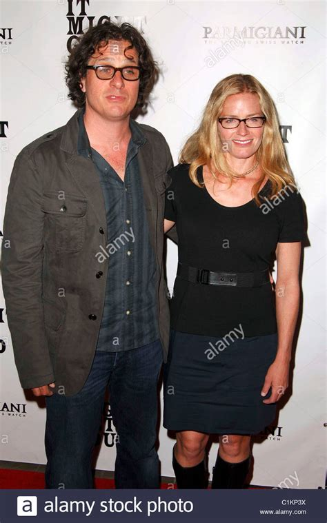 elisabeth shue davis guggenheim director davis guggenheim with his wife elisabeth shue it