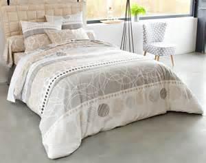 linge de lit rayures et cercles becquet