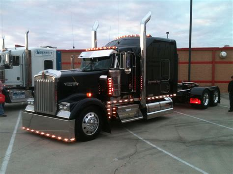 trucking companies with kenworth w900 black kenworth w900 keep on truckin pinterest rigs
