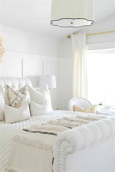 9 Tips For Styling White Rooms Look We Winter White Rooms The Local Vault