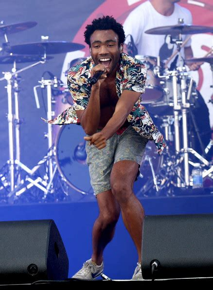 childish gambino all i want for christmas donald glover height weight measurements celebrity stats