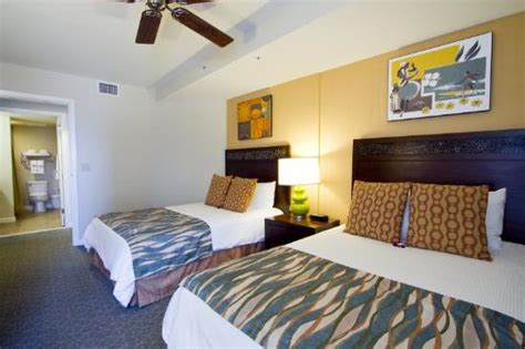 2 bedroom apartments waikiki beach wyndham at waikiki beach walk hawaii honolulu see 490