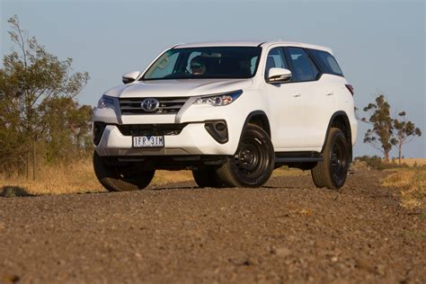 Toyota Fortuner Road 2016 Toyota Fortuner Gx Manual Review Onroad And Offroad