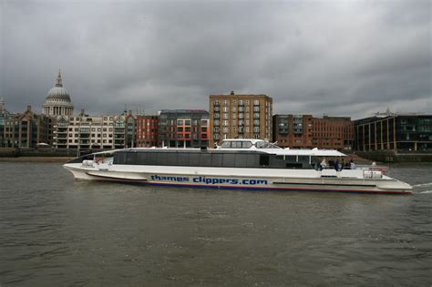 thames river boats tfl file thames clipper 1 jpg wikimedia commons