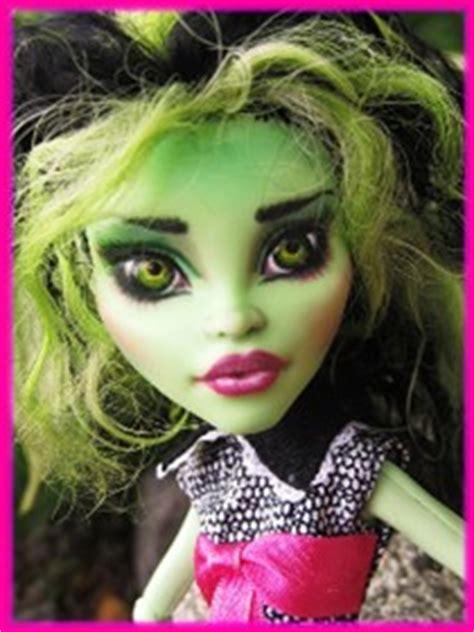 H Garden by Custom Venus Mcflytrap Monster High Dolls