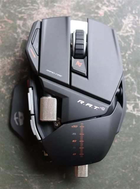 Mad Catz Rat 9 Gaming Mouse review mad catz cyborg r a t 9 gaming mouse techcrunch