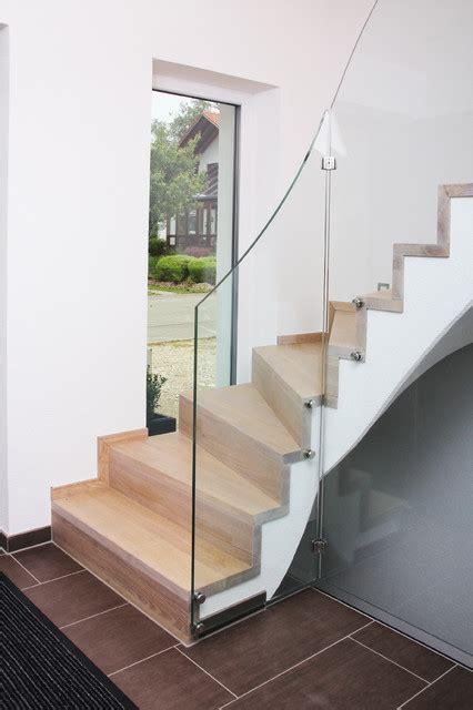 kreuzberger treppen stufen und stellstufen auf betontreppe mit glasgel 228 nder
