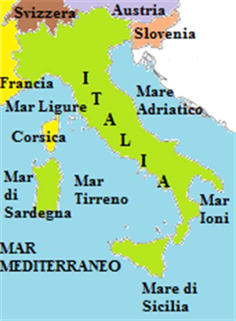 mari bagnano l italia i confini dell italia