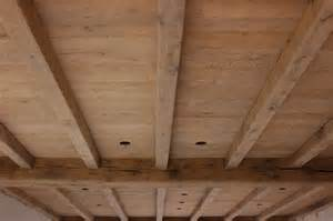 plafondrenovatie zandstralen plafonds en balken