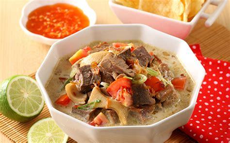 soto kuliner berkuah khas indonesia  melegenda
