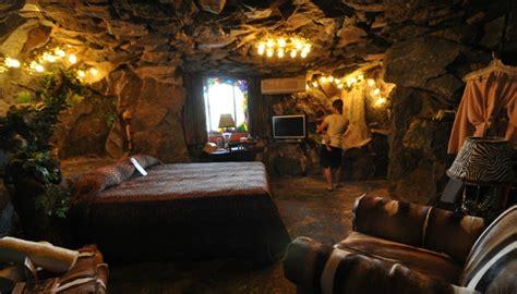 caveman room the world s weirdest hotel rooms dealchecker 2018