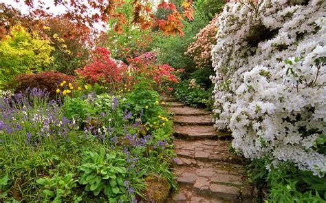 cespugli fioriti per giardino 25 posti nel mondo diventano incredibili giardini