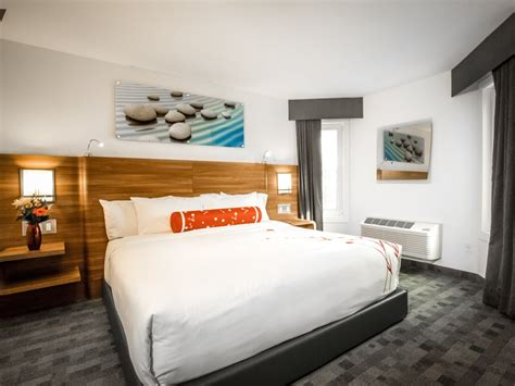 2 bedroom hotel suites calgary these are calgary s most luxurious hotel rooms photos