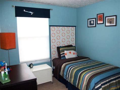 desain kamar tidur ukuran  simple  elegan