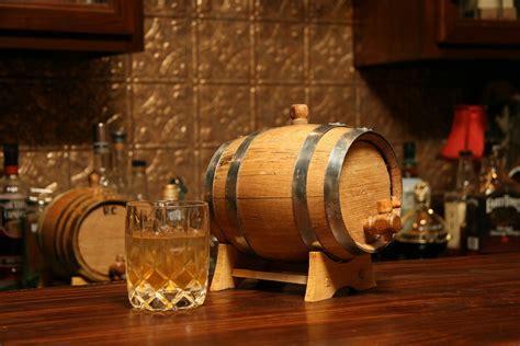 rad wedding gifts for groomsmen best man mini whiskey