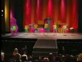 Barney The Backyard Gang Waiting For Santa Barney En Concierto Parte 1 Youtube