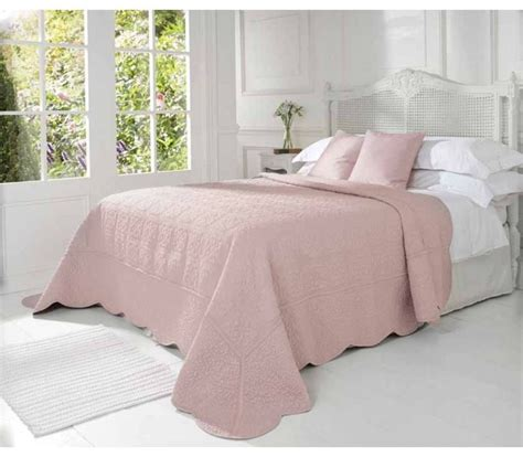 44 best patchwork quilts and bedcovers pinks images on