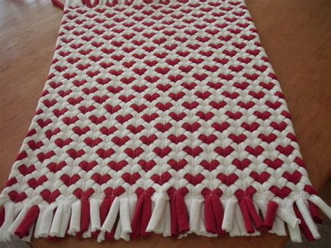 alfombras recicladas camisetas 16x20 red heart rug made from recycled t shirts totora
