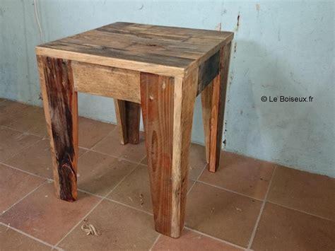 Table De Nuit En Palette by Tabouret Personnalis 233 Bois De Palettes Recycl 233 Tables