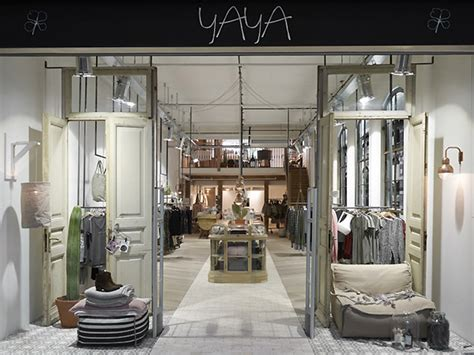 Home Design Stores In Amsterdam by Yaya Flagship Store Amsterdam 187 Retail Design