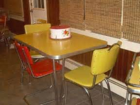 Retro Kitchen Table And Chairs For Sale 211 Vintage Yellow Formica Kitchen Table W 3 Chairs For Sale In Antioch Illinois Classified
