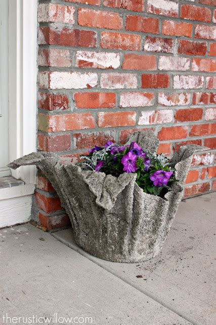 Quickcrete Planters by Robs World Rustic Willow S Diy Concrete Planter