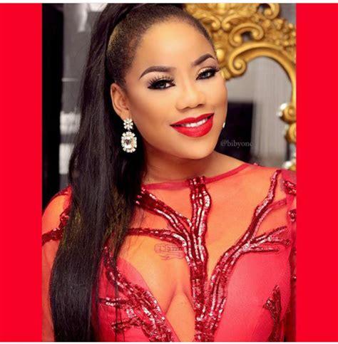 celebrity stylist definition celebrity stylist toyin lawani looking gorgeous in red