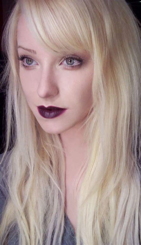 blonde hair purple lipstick a fresh take on the 90s dark lips subtle smoky eyes and