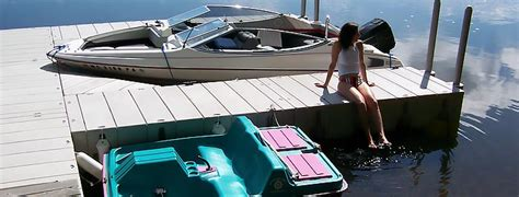 tying up a pontoon boat bb try how to tie up a boat to a floating dock