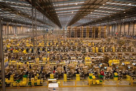 amazon warehouse this is what an amazon warehouse looks like a month before
