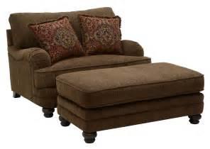 Furniture & Merchandise Outlet   Murfreesboro & Hermitage, TN Brennan Auburn Chair 1/2