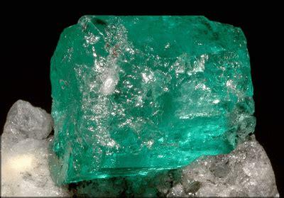 healing properties  emerald life healing energy