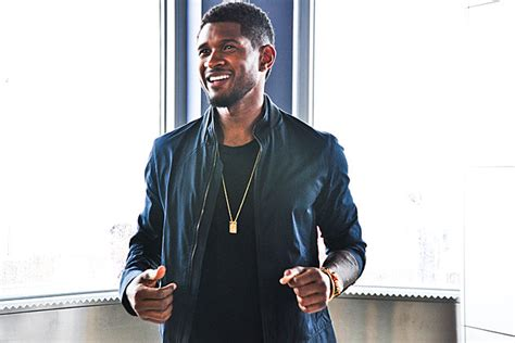 usher july usher flips the switch at july 4th empire state building