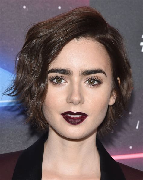 lizly hairstile lily collins short wavy cut lily collins hair looks