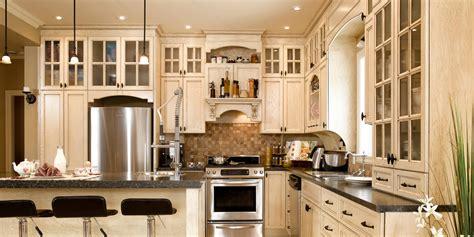 armoire cuisine en bois chalet de montagne cuisine bois ch 234 ne stratifi 233