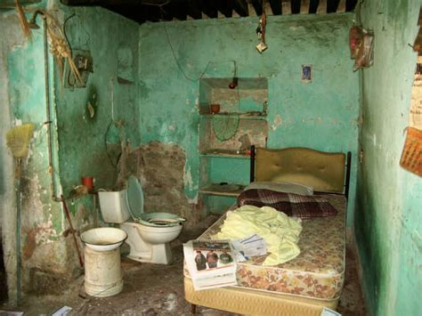 the room worst 10 apartments that were probably in that rowdy tenement picture