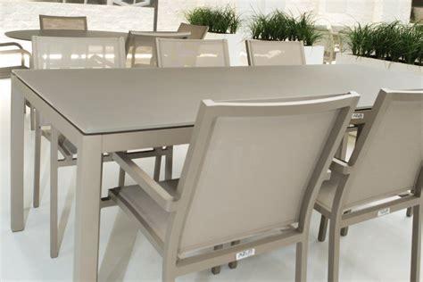 Exceptionnel Table De Jardin Aluminium Et Verre #1: table-de-jardin-design-en-aluminium-et-verre-grana.jpg