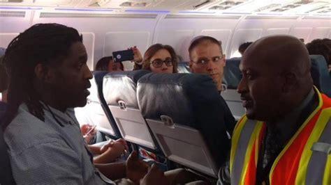 how to use bathroom in flight man kicked off delta flight for using bathroom thegrio