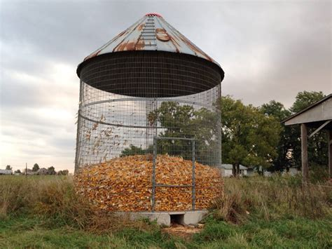 Wire Corn Crib For Sale by Viewing A Thread Corn Cribs