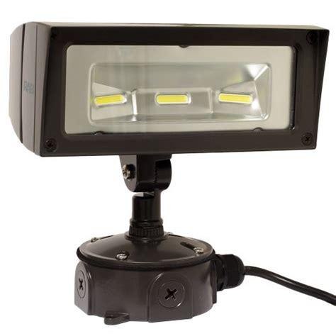best color temperature for outdoor lighting 7 best led outdoor flood lights images on pinterest led