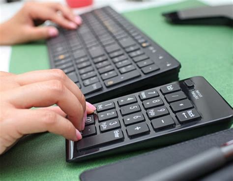 Keyboard Numeik Pad satechi wireless numeric keypad available now