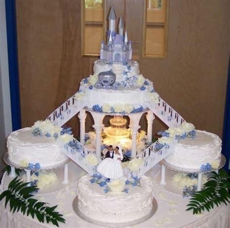 Hochzeitstorte Schloss by Mehrst 246 Ckige Hochzeitskuchen Und Torten F 252 R Eine